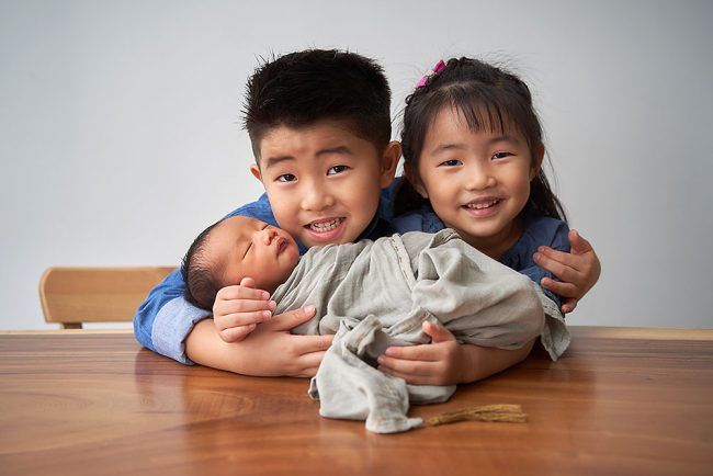 Sibling With Newborn Photo Shoot
