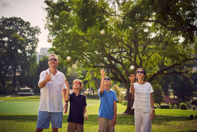 Outdoor_Family_Photoshoot_Fort_Canning_Park_033