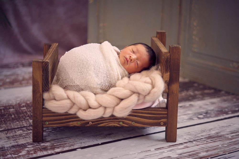 best newborn photo studio idea