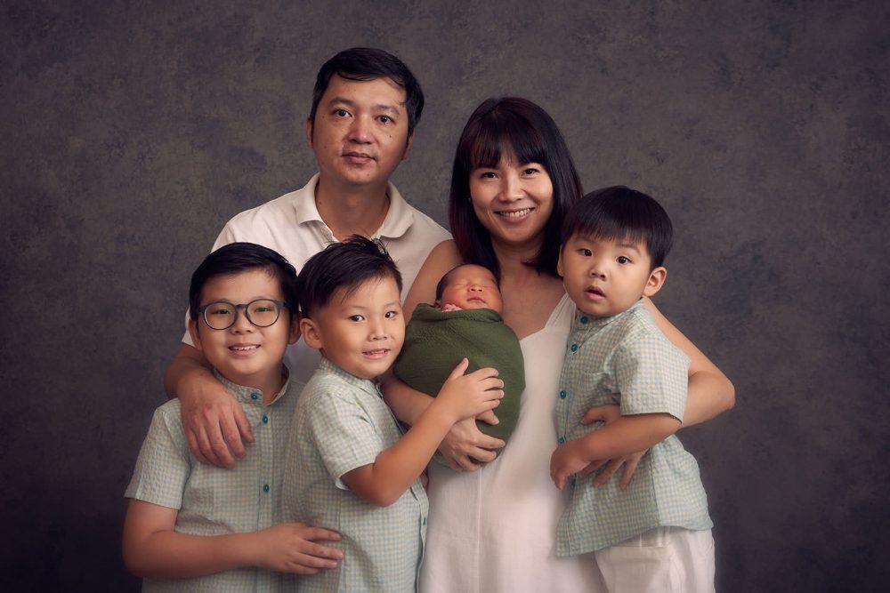 family newborn photoshoot sg