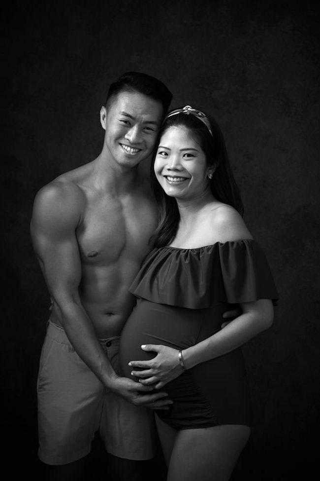 pregnancy photoshoot studio