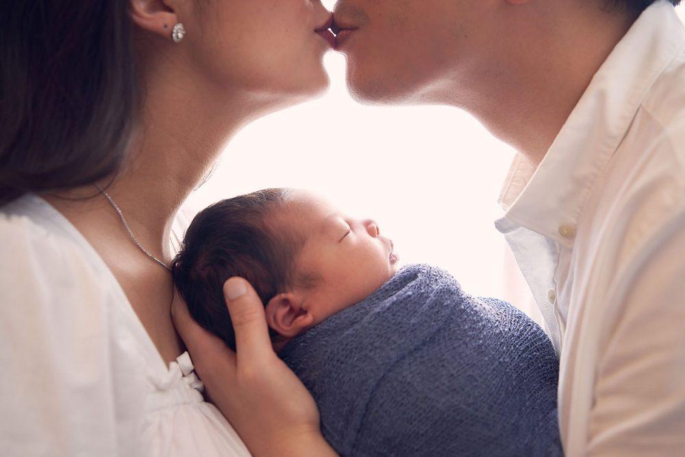 sg newborn family photoshoot